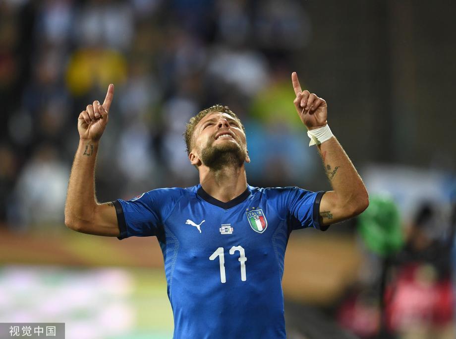 [图]因莫比莱破门若日尼奥点射 意大利2-1芬兰
