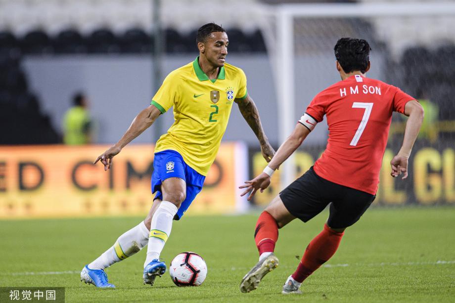 [图]库蒂尼奥达尼洛进球 热身赛巴西击败韩国