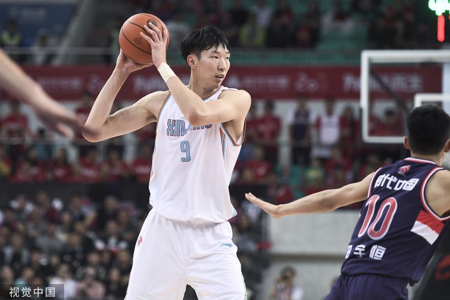 [图]新疆男篮32分狂胜广州 周琦29+11+4帽