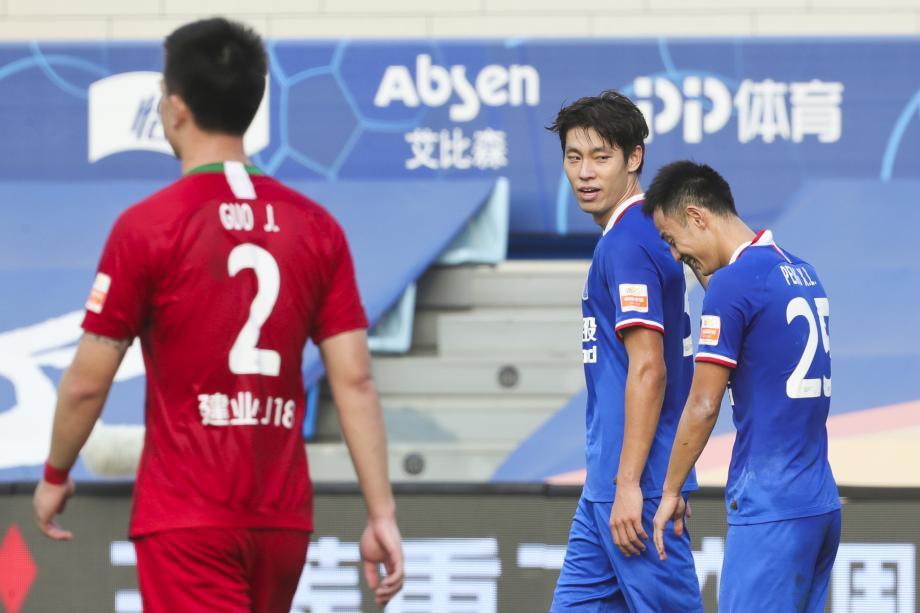 中超-毕津浩梅开二度 申花2-0建业成功进入争冠组