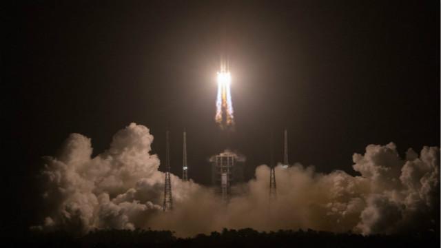 China's Chang'e-5 probe enters lunar orbit