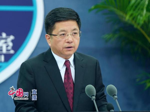 国台办新闻发言人马晓光回答记者提问。