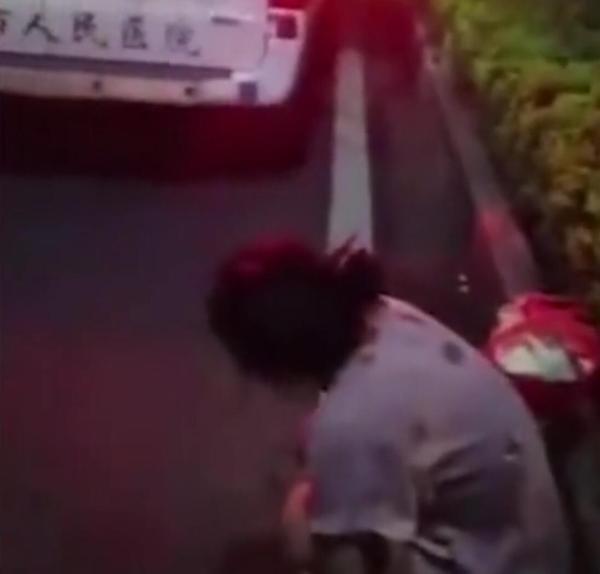 海南万宁回应医院丢弃转院患者:涉事人员停职
