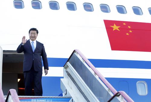 2013年9月4日,习近平抵达俄罗斯圣彼得堡,出席5日至6日举行的二十国集团领导人第八次峰会。