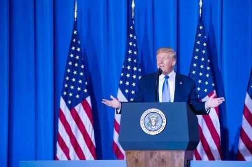 6月29日,在日本大阪,美国总统特朗普出席二十国集团领导人大阪峰会结束后的美方记者发布会