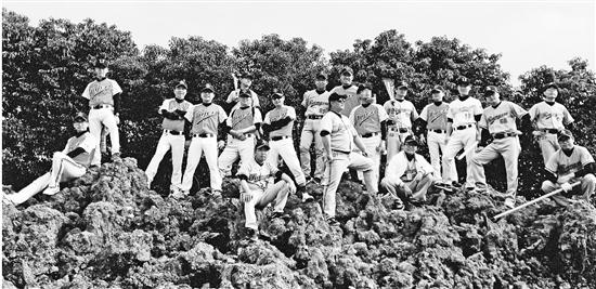 杭州40多位爸爸親自上陣 只為送孩子一個棒球場