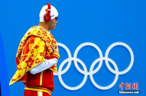 """""""里约奥运会游泳男子400米自由泳,孙杨遗憾摘银,霍顿摘得金牌。<a"""
