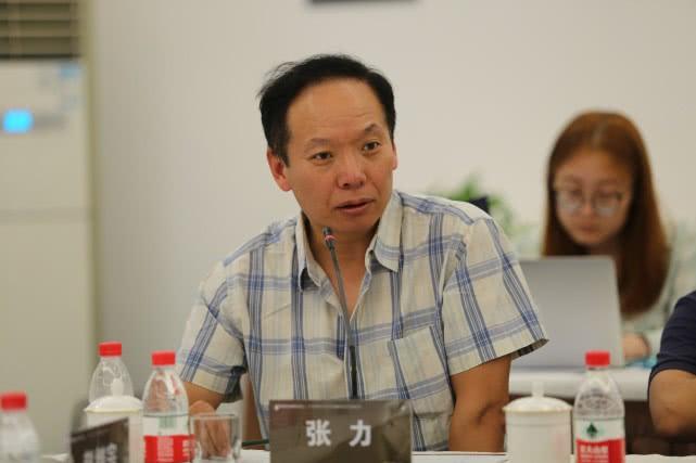 中央新影集團總編室主任張力在紀錄片《手術兩百年》創作研討會發言