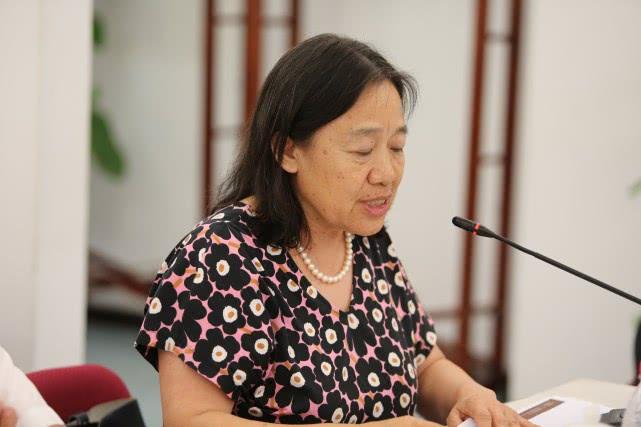 中國傳媒大學電視學院學術委員會主任趙淑萍教授在紀錄片《手術兩百年》創作研討會發言