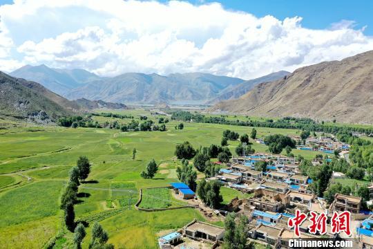 看望全国村庄旅行要点村:创立生态宜居走出白纳脱贫路