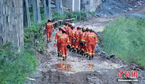 今年皇冠hga010浏览器|官网救援队伍组建31支省级抗洪队 规模达7600人
