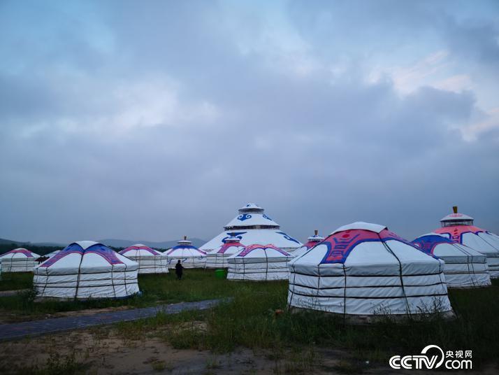 玛拉沁艾力开发的生态民俗旅游区。(何川 摄)