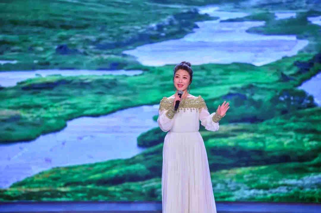 歌曲演唱《你的爱无处不在》 演唱者:刘媛媛
