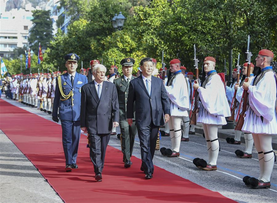 Chinese President Xi Jinping attends a welcome ceremony held by Greek President Prokopis Pavlopoulos before their talks in Athens, Greece, Nov. 11, 2019. (Xinhua/Xie Huanchi)