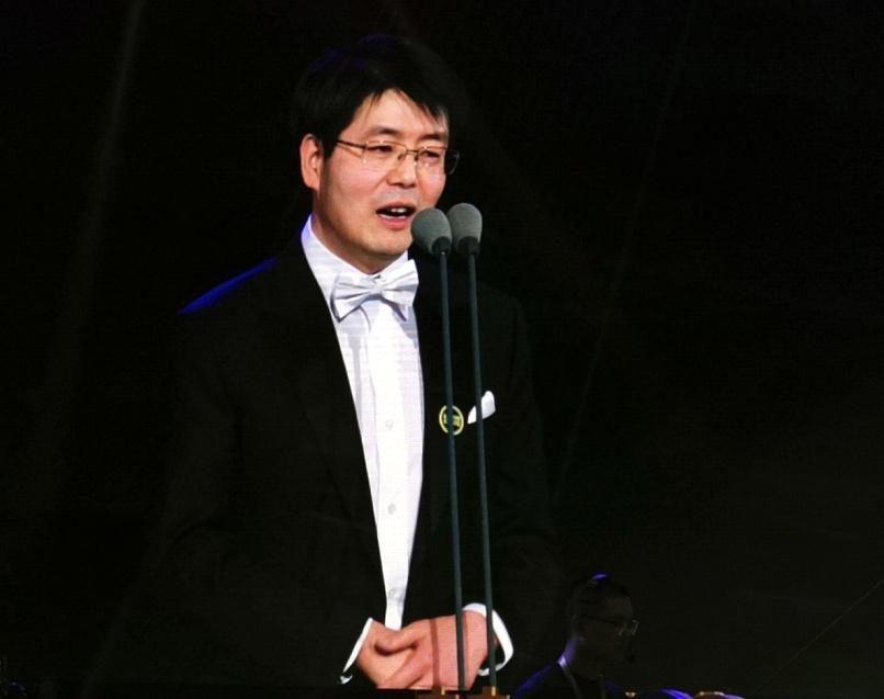 北京生命科学研究所学术副所长、资深研究员,中国科学院院士邵峰。赵永新摄