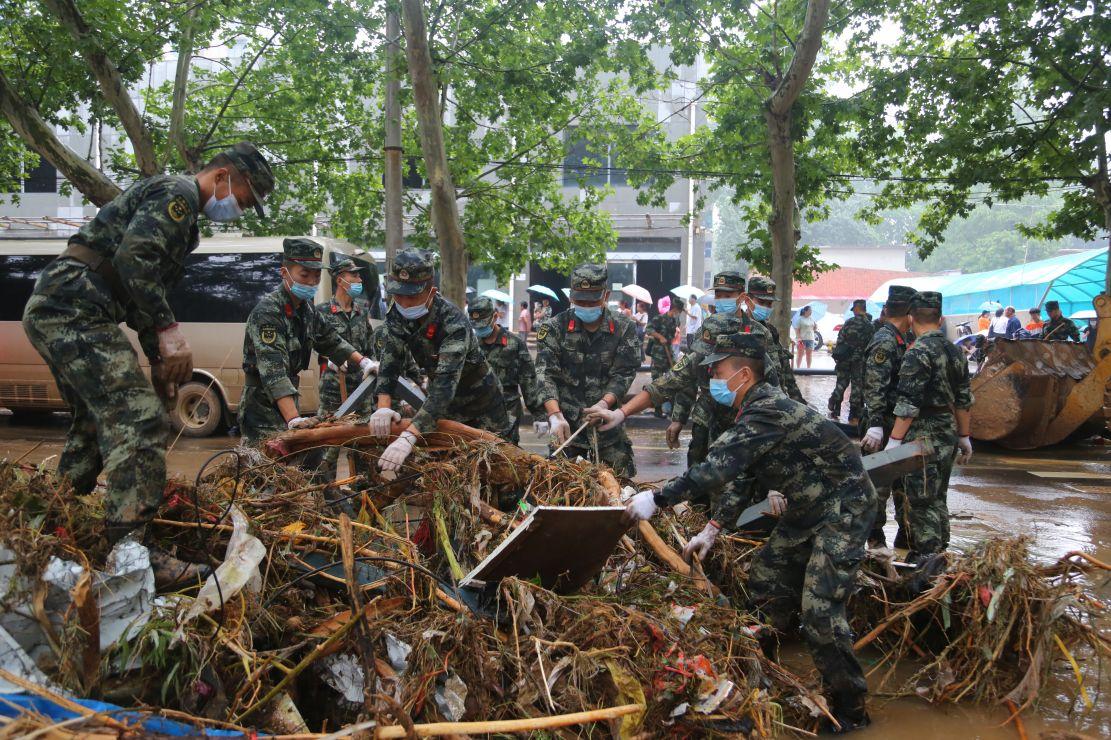 武警第一机动总队某支队迅速投入灾后重建工作